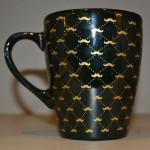Caneca Porcelana Preta Esposo de Ouro